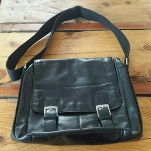 Fossil Brand black leather mens messenger bag